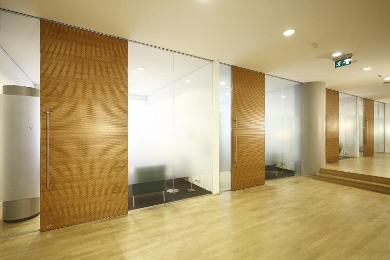 Großübersicht der 4 Beratungszimmern der Beethoven 5.13 Klinik in Köln